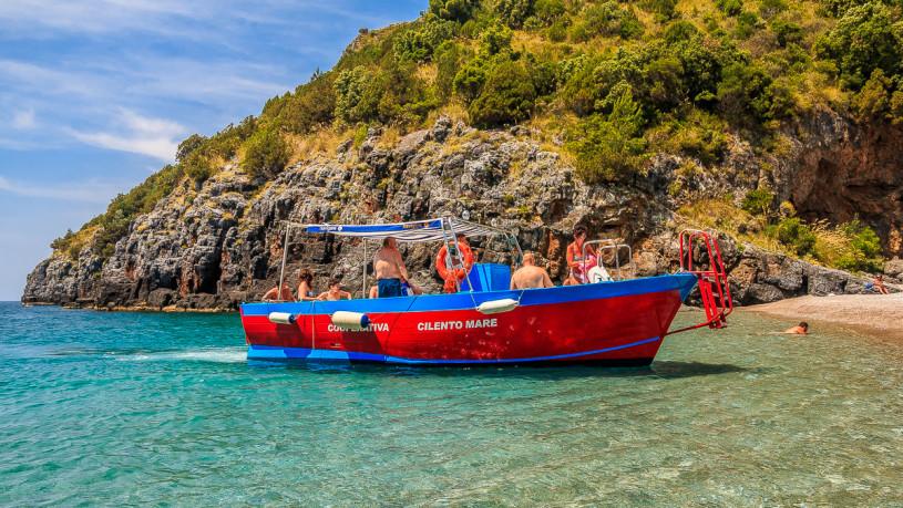 Escursioni - Gite in Barca per le Grotte